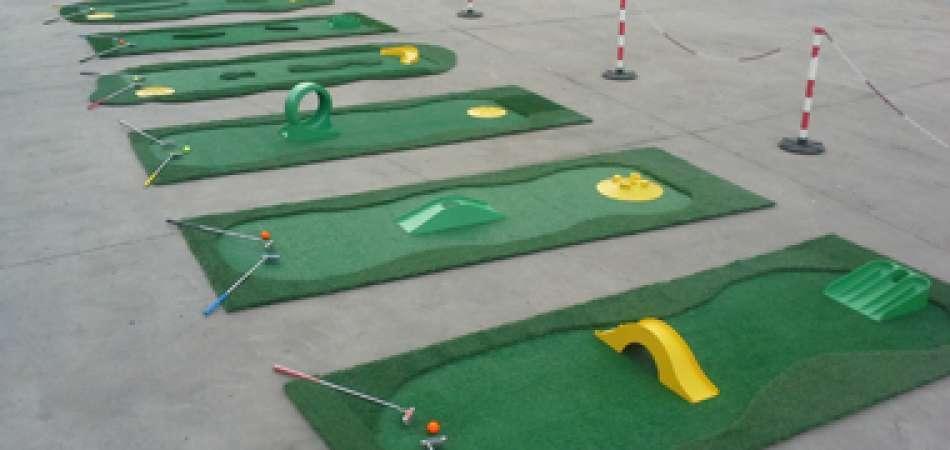 Pistas de minigolf alquiler para eventos y fiestas for Juego de golf para oficina